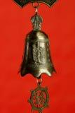 Chinesische Glocke mit Buddha Stockfoto