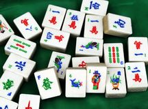 Chinesische Mahjong Fliesen stockfotos