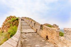 Chinesische Mauer durch das Jinshanling in China lizenzfreie stockfotografie