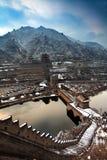 Chinesische Mauer im Schnee Stockfotografie