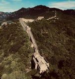 Chinesische Mauer im Sommer lizenzfreie stockbilder
