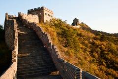 Chinesische Mauer unter dem Sonnenschein Lizenzfreie Stockfotografie
