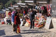 Chinesische Mauer von China Mutianyu Markt für Touristen und Verkäufer Stockbild