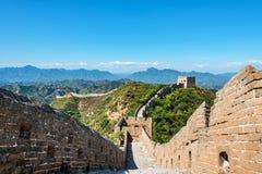 Chinesische Mauer zwischen Jinshanling und Simatai lizenzfreie stockfotos