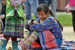 Chinesische Minderheit Hmong-Frau in Sapa, Vietnam Stockbild