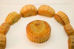 Chinesische Mooncakes in einem Kreis Stockfotos