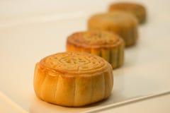 Chinesische Mooncakes in Folge Stockbild