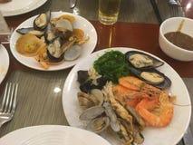 Chinesische Nahrung in den chinesischen Restaurants - würzig, süß, sauer stockbilder