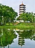 Chinesische Pagode im chinesischen Garten. Stockfoto
