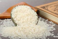 Chinesische rohe Körner des weißen Reises des Kornes lizenzfreies stockbild