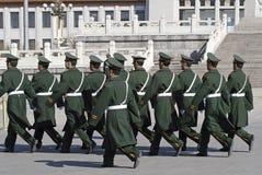 Chinesische Soldaten auf Quadrat Lizenzfreie Stockbilder