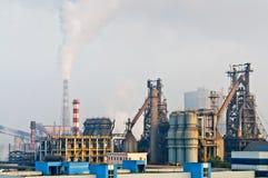 Chinesische Stahlwerkrauchverschmutzung Stockbild