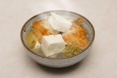 Chinesische Suppe: Fische mit Tofu Stockbild