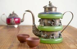Chinesische Teekanne der Weinlese hergestellt von der alten Jade Lizenzfreie Stockbilder