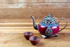 Chinesische Teekanne der Weinlese hergestellt von der alter Jade und von Tibet-Silber mit MO Stockfotografie