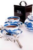 Chinesische Teekanne und zwei Schalen stockfoto