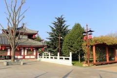 Chinesische traditionelle Architektur in datangfurong Garten, luftgetrockneter Ziegelstein rgb Stockbild