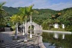 Chinesischer Garten in Sanya Stockfotografie
