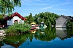 Chinesischer Garten - Watersidepavillion Stockbild