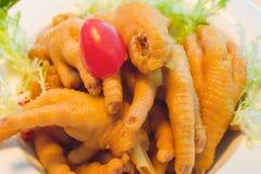 Chinesischer köstlicher Teller: die Füße des Huhns Stockbilder