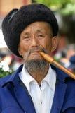 Chinesischer Mann des Naxi Stammes Stockbild