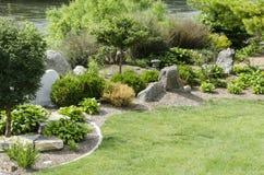 Chinesischer Pagoden-Flussufer-Garten Des Moines Iowa Lizenzfreie Stockfotos