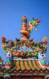 Chinesischer Schrein- und Drachepfosten Lizenzfreies Stockbild