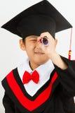Chinesischer Staffelungs-Junge, der einen Job findet Stockbild