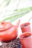 Chinesischer Tee im Lehmcupabschluß oben Lizenzfreies Stockfoto