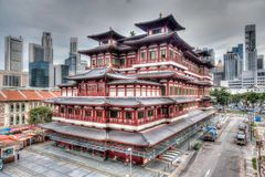 Chinesischer Tempel in Singapurs Chinatown stockfotos