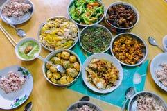 Chinesischer traditioneller Réunions-Nahrungsmittelnaturreis-weißes Huhn lizenzfreies stockbild