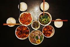 Chinesisches Abendessen für vier Familien lizenzfreie stockfotos