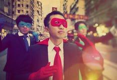 Chinesisches Ethnie-Geschäftsmann-Superheld-Energie-Konzept Stockfoto