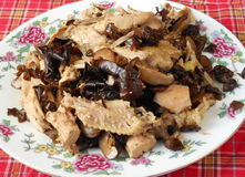 Chinesisches gebratener Pilz des Lebensmittels Huhn lizenzfreie stockbilder