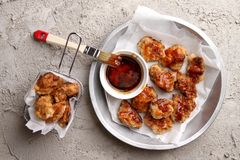 Chinesisches Generaltso-` s Huhn oder Nuggets Stockfoto