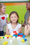 Chinesisches Kind im Kindergarten lizenzfreies stockfoto