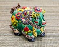 Chinesisches Spielzeug, das das Jahr 2015 auf dem Kalender das Jahr der Ziege darstellt Stockfotos