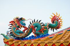 Chino concreto colorido Dragon Statue Foto de archivo