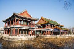 Chino de Asia, parque de Pekín, lago Longtan, edificio del jardín Imágenes de archivo libres de regalías