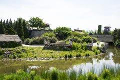 Chino de Asia, Pekín, China Minzu Yuan, paisaje arquitectónico, canoa, la casa de piedra, Fotografía de archivo