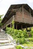 Chino de Asia, Pekín, China Minzu Yuan, paisaje arquitectónico, casa de madera Fotos de archivo