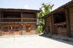 Chino de Asia, Pekín, China Minzu Yuan, paisaje arquitectónico, casa de madera Fotos de archivo libres de regalías
