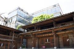 Chino de Asia, Pekín, China Minzu Yuan, paisaje arquitectónico, casa de madera Imágenes de archivo libres de regalías