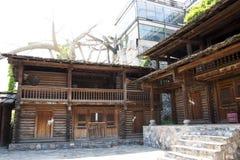 Chino de Asia, Pekín, China Minzu Yuan, paisaje arquitectónico, casa de madera Imagen de archivo