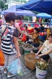 Chino Dragon Boat Festival, el mercado para la venta de las bolas de masa hervida del arroz Imagenes de archivo