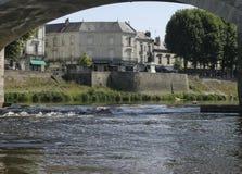 Chinon sur la rivière de Vienne dans les Frances Photographie stock libre de droits