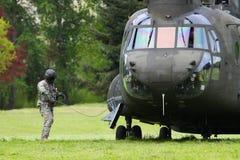 Chinook-Hubschrauber-Vorbereitung zu fliegen lizenzfreie stockbilder