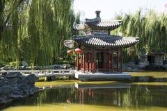 Chiny, Azja, Pekin Uroczysty widoku ogród, antykwarscy budynki Obraz Royalty Free