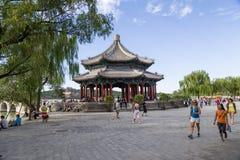 Chiny, Pekin Lato imperiału pałac Pawilon Szerocy dukty lub pawilon Osiem wymiarów (Kuoruting) Obraz Stock
