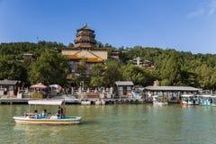 Chiny, Pekin pałac beijing lato Długowieczności wzgórze Foxiangge i świątynia - wierza buddysty kadzidło (Foxiangge) Obrazy Royalty Free